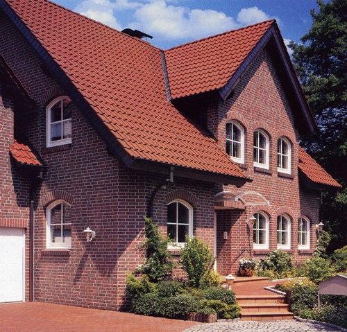 Металлочерепица в дизайне дома