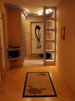 Дизайн комнаты штукатурка с обоями